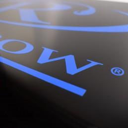 detalhe da impressao em acrilico preto e azul
