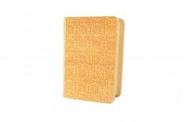 gravacao de livro em madeira